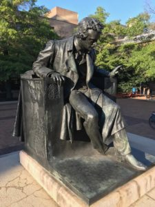 Incubi e poesia racconti Libro d'Ingresso Spoleto edgar Allan Poe statua